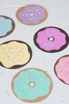 Fun Donut Craft for kids! is part of Fun Kids Crafts Food - June is National Donut day so I thought, why not make a fun Donut Craft with the kids! It's a super easy, yet a fun craft for the kids to work on this Summer Crafts For Boys, Toddler Crafts, Preschool Crafts, Crafts To Sell, Toddler Activities, Creative Arts And Crafts, Arts And Crafts House, Donut Party, Pancake Party