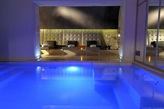 Book now best available rates for Residence and Spa Le Prince Regent in Paris with Visit Rentals. Over serviced apartments in 300 destinations. Serviced Apartments, Paris Apartments, Rental Apartments, Le Bristol, Hotel Safe, Restaurant Paris, Prince, Indoor Swimming Pools, Great Hotel
