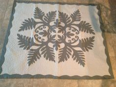 Your place to buy and sell all things handmade Hawaiian Quilt Patterns, Hawaiian Quilts, Aplique Quilts, Paper Snowflakes, Cutwork, Paper Cutting, Applique, Projects To Try, Quilting