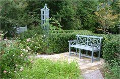 *THE GREEN GARDEN GATE*: GARDEN FROM ARABELLA LENNOX-BOYD (USA)