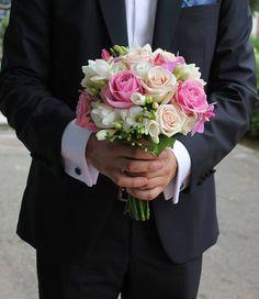 Buchet de Mireasa. Trandafiri roz. Trandafiri by JuliasRoseShop Bouquets, Floral Wreath, Wreaths, Trending Outfits, Unique Jewelry, Garden, Handmade Gifts, Flowers, Nature