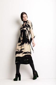 38bfe1c132b4 Beautiful black and beige dress by Just In Case Abiti Beige