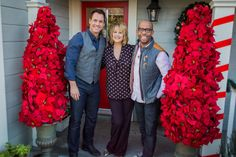DIY Expert, Ken Wingard makes Poinsettia Entry Trees to help spruce up your front door entry way for the holidays.
