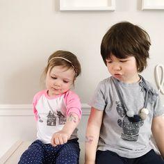 Mes deux tatoués québécois préférés!  #2ans #avoir2ans #frereetsoeur #3ansetdemi #etremaman #motherhood #momlife #maternité #brotherandsister #melodiepetitesouris #clempetitcoquin #avoir2enfants #grandfrere #petitesoeur #shoplocal #createursquebecois #mlleleonie #3ptitspois #petitemajeste #picotattoo