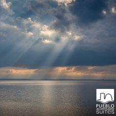 ¿lloverá hoy?... #PuebloAcantilado #DíasdeLLuvia #RainningDays