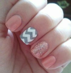 Love the glitter, nude solid and chevron combo!: