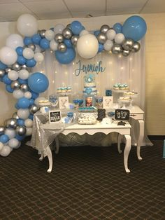 Best Snap Shots blue Baby Shower Decorations Style Compliment parents-to-be by getting for a memorable child shower. How can you make a baby shower celebration w. Baby Shower Decorations For Boys, Boy Baby Shower Themes, Baby Shower Balloons, Elephant Baby Shower Centerpieces, Dumbo Baby Shower, Unisex Baby Shower, Baby Shower Blue, Elephant Baby Showers, Theme Mickey