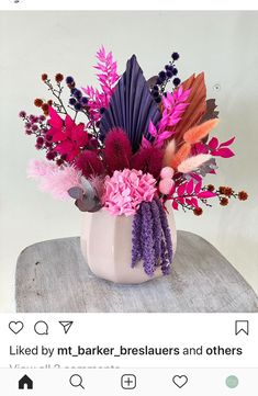 Dried Flower Bouquet, Dried Flowers, Paper Flowers, Modern Flower Arrangements, Simple Centerpieces, How To Preserve Flowers, Types Of Flowers, Bridal Flowers, Amazing Flowers