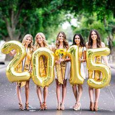 Pi Beta Phi at University of California, Davis Grad Pics, Graduation Pictures, Senior Pictures, Senior Pics, Senior Year, Sorority Sugar, Sorority Sisters, Graduation Photoshoot, Graduation Day