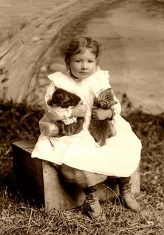 Primarily Primitives by abigailes_mommy: Vintage Children/Pets/Farm Animals Images Funny Vintage Photos, Vintage Children Photos, Vintage Photographs, Animals For Kids, Cute Baby Animals, Farm Animals, Vintage Cat, Vintage Ephemera, Cat People