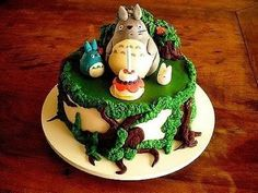 Cartoon animal cake