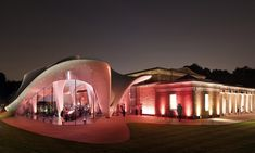 Zaha Hadid transforms the Serpentine Gallery by fusing the traditional with the innovative!