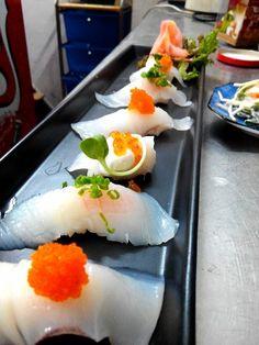 Sushi Love it! Foods To Eat, I Foods, My Favorite Food, Favorite Recipes, Sushi Love, Food Plus, Japanese Sushi, Food Articles, Sashimi