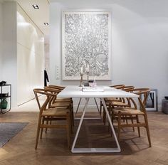 Dining table with hans wegner wishbone chairs