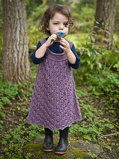 Pekin shares a lace stitch with the grown-up cardigan Serama. There is no shaping at all to worry about, a bit of gathering is all you need to whip up this comfortable toddler's dress.