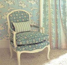 Modern wallpaper: Robin's egg blue + hydrangeas in Arts & Crafts floral Bloomsbury print by xJavier Chair Upholstery, Fabric Sofa, Sofa Chair, Hydrangea Wallpaper, Turquoise Pattern, Azul Tiffany, Blue Home Decor, Interior Decorating, Interior Design