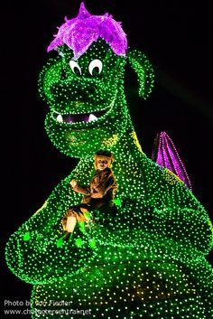 2014 - Pete's Dragon - Tokyo Disneyland Electrical Parade Dreamlights
