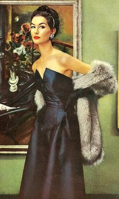 Blue elegant gown with stole ♥ 1950's