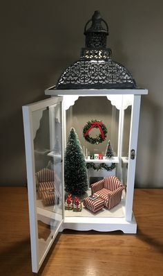Have some fun making a Christmas scene in a lantern! Diy Christmas Decorations Easy, Christmas Centerpieces, Christmas Projects, Holiday Crafts, Christmas Lantern Decor, Lantern Crafts, Homemade Christmas, Simple Christmas, Christmas Home