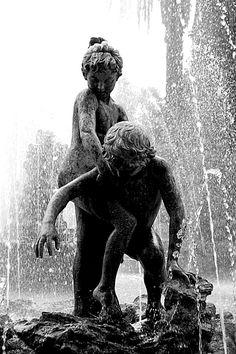 Palermo - Porrovecchio Calogero - Fontana della Villa Crispi a Palermo. Villa Crispi Fountain. Italy