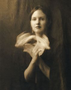 Josephine Sacabo - Volando -  A Geometry of Echoes series