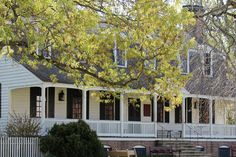 Christiana's Campbell tavern ... home of Spoon bread and the best crab cakes in Colonial Wililamsburg
