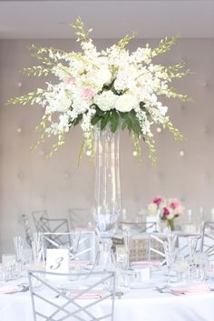 White wedding color ideas from real weddings at The Clayton on the Park. Modern Scottsdale wedding venue. #white #wedding #color #ideas #reception Photo by: Ryan Nicole Photography