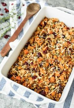 A cozy and filling chicken and wild rice casserole made with butternut squash and cranberries. This easy and healthy chicken dinner is a winner every time! Chicken Wild Rice Casserole, Chicken And Wild Rice, Chicken Rice, Butternut Squash Casserole, Chicken And Butternut Squash, Good Healthy Snacks, Healthy Eating, Healthy Recipes, Healthy Meals