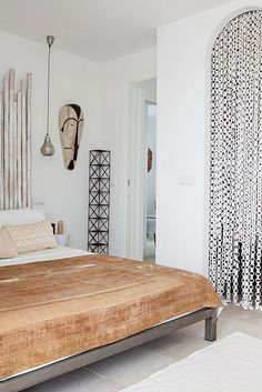 Ethnic natural + white bed room inspiration | bohemian chic styling