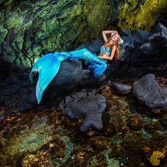 The lovely Mermaid Kariel Mermaid Pose, Mermaid Art, Mermaid Cosplay, Real Life Mermaids, Mermaids And Mermen, Realistic Mermaid Tails, Silicone Mermaid Tails, Mermaid Pictures, Mermaid Jewelry