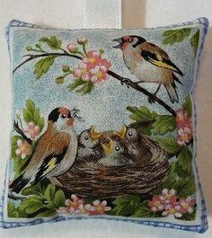 Garden Birds Gift / Finch Fabric Lavender Bag / Easter Gift - Handmade