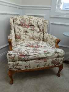 Vintage toile sitting chair - Made in VT - $40 (Grafton)