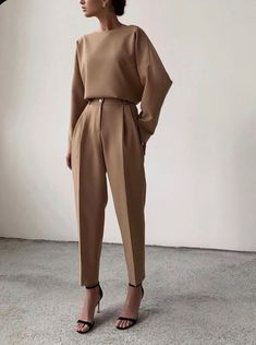 minimal everyday look, classic and simple. Oversized camel sweater, s . - wedding - 30 Minimal everyday look classic and simple. Oversized camel sweater s - Mode Outfits, Fashion Outfits, Womens Fashion, Fashion Clothes, Woman Outfits, Casual Clothes, Office Outfits, Work Clothes, Casual Dresses