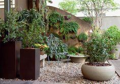 01-cinco-jardins-lindos-feitos-de-vasos