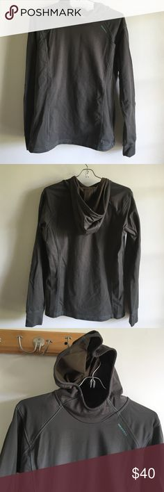 Merrell sz m Use good condition 96%polyester 4% spandex pocket linen 100% polyester Merrell Tops Sweatshirts & Hoodies