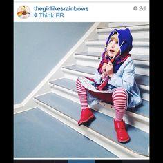 Søs Uldall-Ekman fra Enfants Terribles Mag har taget dette fine billede med vores røde Saag sko