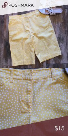 Jones New York Sport shorts Jones New York sport shorts. Size 8. In EUC. They look new.🌻 16 inch waist lying flat. 21 inches in length. Inseam 10 1/2 inches. All measurements are approximate. I do my best.😀 Jones New York Shorts Bermudas