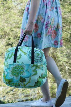 Pocket : Weekender Overnight Travel Bag Tutorial (with pattern!)
