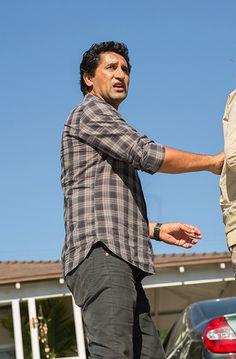 Travis Manawa in Fear The Walking Dead S01E02