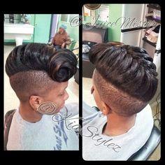 Cute fishtale mohawk w/ shaved sides! Mohawk Hairstyles, Pretty Hairstyles, Shaved Hairstyles, Short Hair Cuts, Short Hair Styles, Locks, Sassy Hair, Hair Dos, Bun Hair