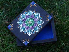 Dot Mandala Box for Treasure Jewelry Mermaid Flower Spring Painted Wood Blue Purple Green Gold x Dot Art Painting, Mandala Painting, Mandala Art, Stone Painting, Painting On Wood, Hand Painted Plates, Painted Boxes, Painted Wood, Mandala Rocks