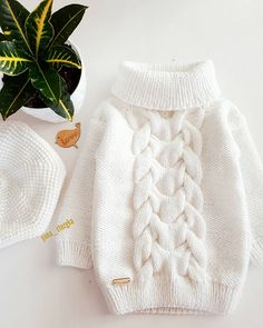 Das begehrteste und am häufigsten bestellte S … – [pin_board_name - Crochet Baby Sweaters, Girls Sweaters, Sweaters For Women, Baby Sweater Knitting Pattern, Knitting Machine Patterns, Knit Fashion, Sweater Fashion, Knitted Baby Clothes, Knitted Hats