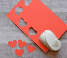 Valentine's Day Heart Craft for Kids - The Resourceful Mama Man Crafts, Valentine's Day Crafts For Kids, Animal Crafts For Kids, Heart Crafts, Craft Projects For Kids, Daycare Crafts, Toddler Crafts, Valentines Day Memes, Valentines Art