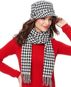 Houndstooth scarf - on sale now!