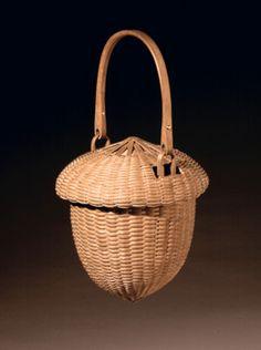 Acorn basket