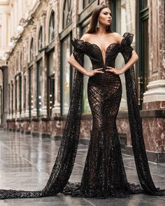 Photo by Albina Dyla in Brussels, Belgium with La imagen puede contener: 1 persona, de pie y exterior Elegant Dresses, Pretty Dresses, Sexy Dresses, Beautiful Dresses, Fashion Dresses, Formal Dresses, Gala Dresses, Couture Dresses, Bridal Dresses