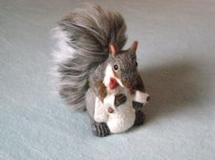Gray Squirrel / Wedding Cake Topper / Needle by GourmetFelted,