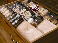 Le diviseur à épices pour tiroir.