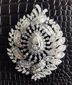 Pendant Set, Diamond Pendant, Diamond Rings, Diamond Jewelry, Diamond Cuts, Gold Jewelry, Jewelery, Gold Set, Indian Jewelry