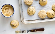 Frosted Old-Fashioned Banana Chocolate Chip Cookies | Natrel
